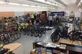 large choix de vélos gamme enfants, hommes et femmes loisirs ou compétition