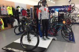 vêtements vélos et accessoires, casques cantal